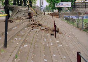 locatie van het oude nac stadion- sloop en nieuwbouw aan de beatrixstraat .sloop staan tribune